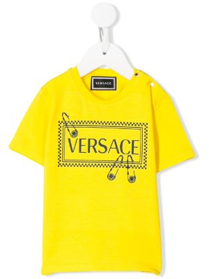 Young Versace تيشيرت بشعار ودبوس